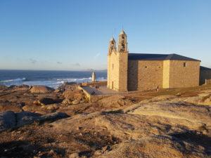"""Kirche """"Virxe da Barca"""" am Steinriff von Muxia"""