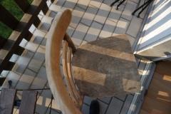 Stuhl vorher (Rückenlehne bereits abgeschliffen)