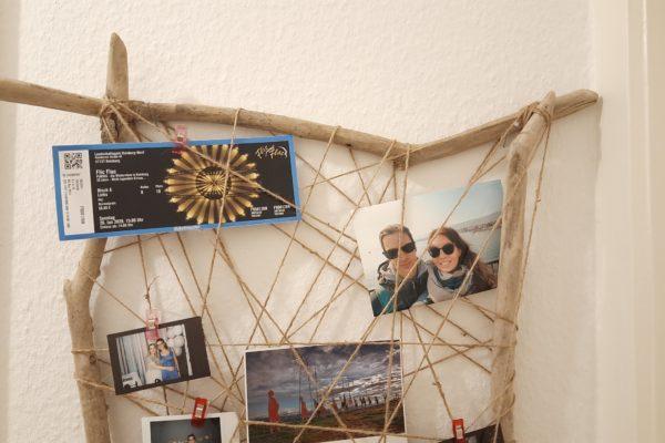 Fotowand aus Treibholz selber bauen – einfach und schnell