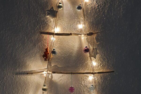 DIY Weihnachtsbaum aus Treibholz